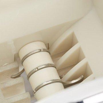 Relaxdays Eiscrusher Maschine mit Eisschaufel, manueller Ice Crusher, Metall Eiszerkleinerer, 27 x 15,5 x 13 cm, silber - 6