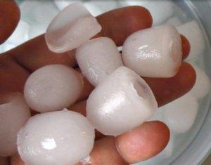 Klarstein Manhattan Eiswürfelmaschinen Test hand